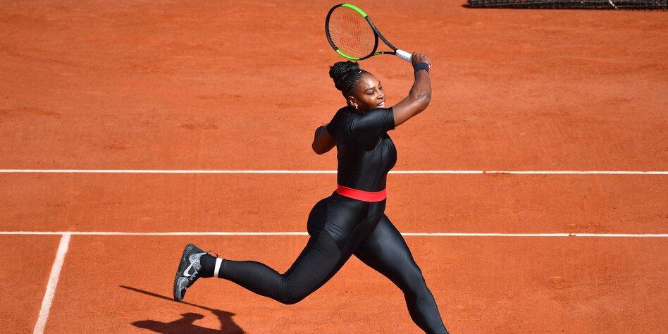 classic fit e21aa 15fc6 Kleiderordnung beim Frauen-Tennis: Sport-BHs und Cat Suits ...
