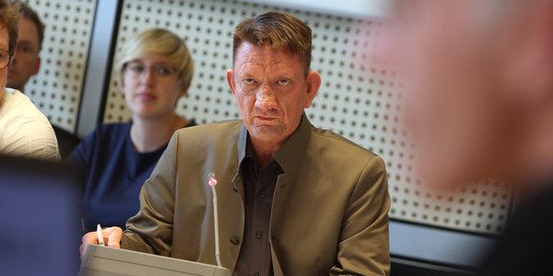 Ronald Gläsert im Ausschuss