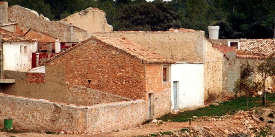 Ein Neues Leben In Der Ferne Dorf Kaufen Bewohner Casten Tazde