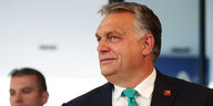 Victor Orban schaut nach links