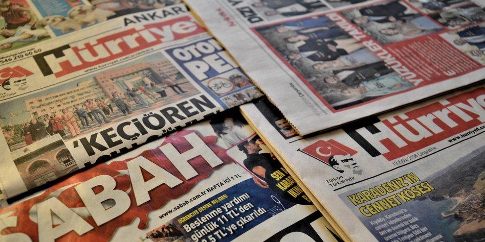 Verschiedene türkische Zeitungen