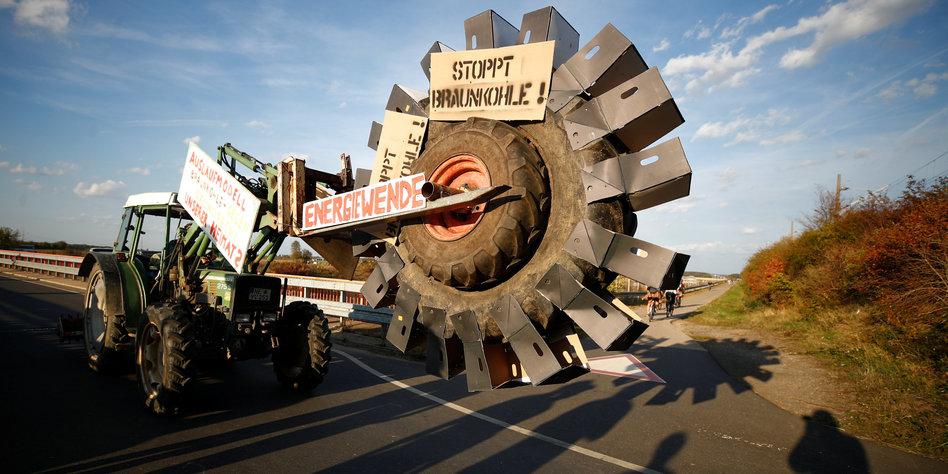 Hambacher Forst: Tausende feiern Rodungsstopp und demonstrieren für den Kohleausstieg