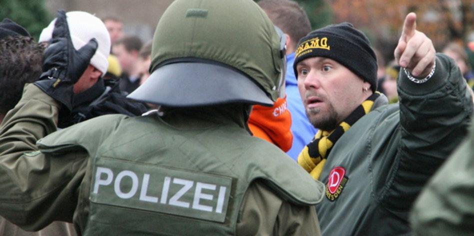 Die Polizei Hinter Gittern Ficken