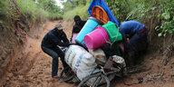 200.000 Menschen auf der Flucht: Angola jagt Kongolesen
