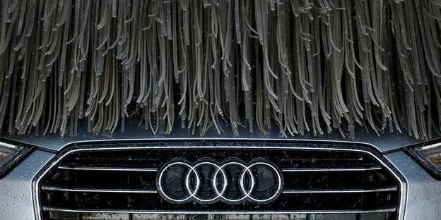 Audi in Waschanlage