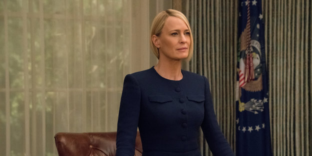 Roby Wright-Penn als Claire Underwood im Oval Office