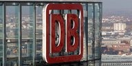 DB-Schild in Berlin