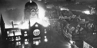 Hannovers Synagoge in Flammen am 10. November 1938