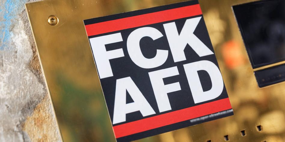 Anti Afd Aufkleber Im Polizeiruf 110 Wirbellose Ard Tazde