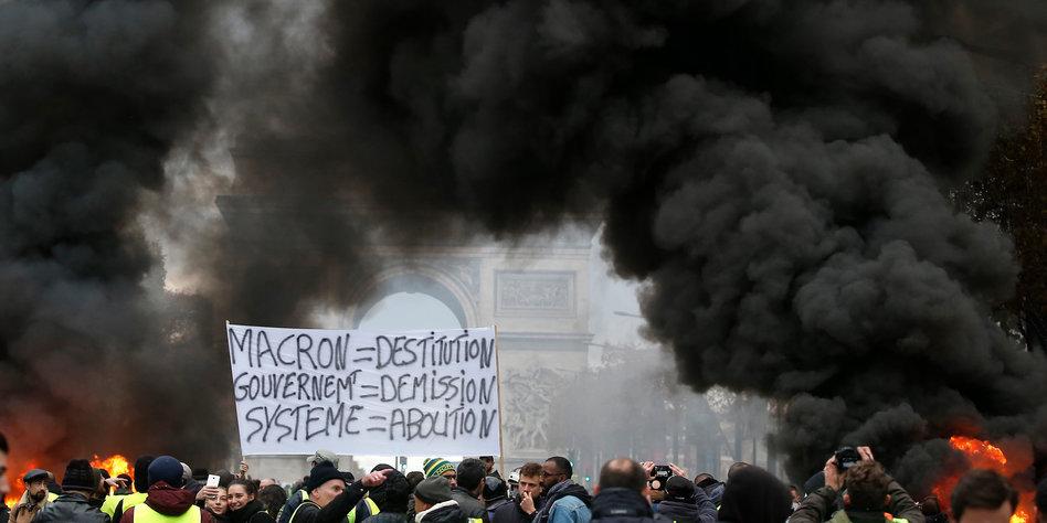 Bildergebnis für aktuelle fotos von den protesten in frankreich