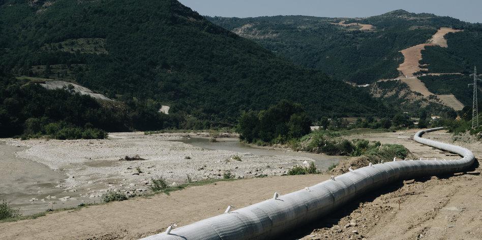 Pipeline tap albanien