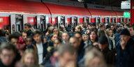 Warnstreik und die Deutsche Bahn: Dienstag wieder normales Bahnchaos