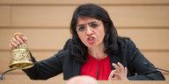 Grüne Landtagspräsidentin Aras: Pöbeleien souverän abgewehrt