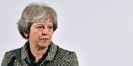 Theresa May guckt ernst