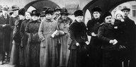 Mehr Frauen in die Parlamente: Nach 100 Jahren wird's mal Zeit
