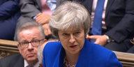 Misstrauensvotum nach Brexit-Niederlage: May bleibt vorerst