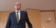 Rechtsextreme in Hessens Polizei: Ein Dutzend Beamte im Visier
