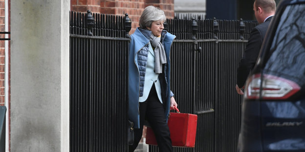 Theresa May verlässt die Downing Street