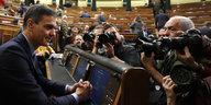 Nach verlorener Haushalts-Abstimmung: Spanien wählt am 28. April neu