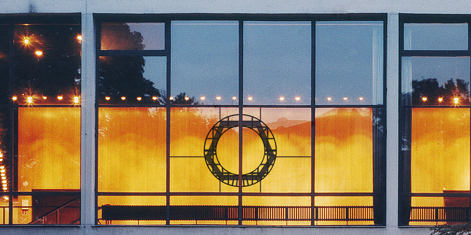 Festspiele Mit Kunst Und Diskurs Der Republik Einen Palast Tazde