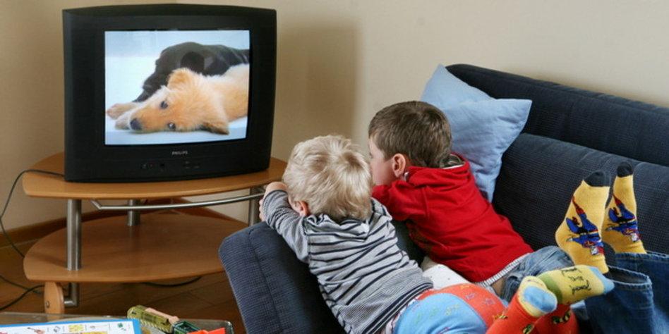 streit der woche soll man kindern das fernsehen verbieten. Black Bedroom Furniture Sets. Home Design Ideas
