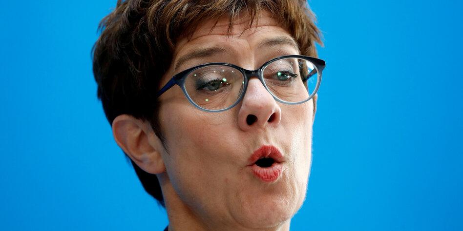 Kramp-karrenbauer nackt annegret US Election