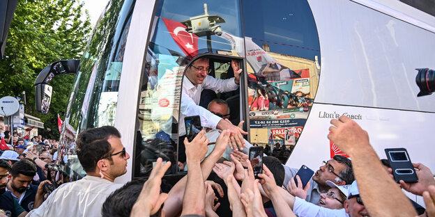 Ekrem Imamoglu beim Wahlkampf in Istanbul