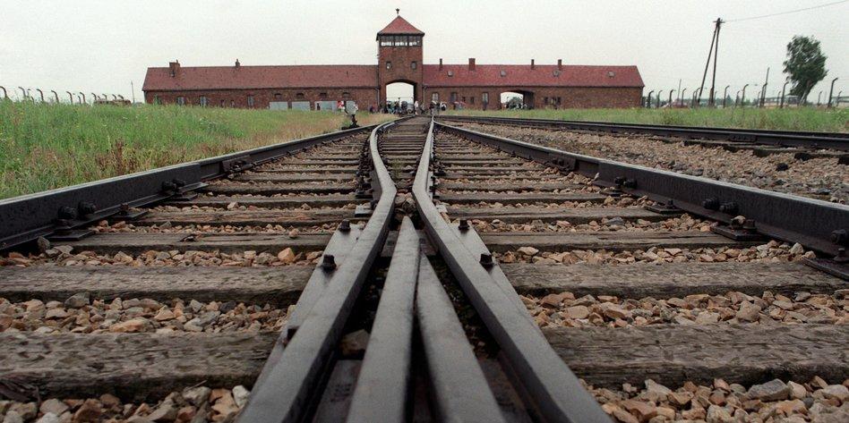 """""""Geschichte wird verleugnet"""""""