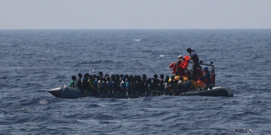 Über 300 Geflüchtete ohne Hafen