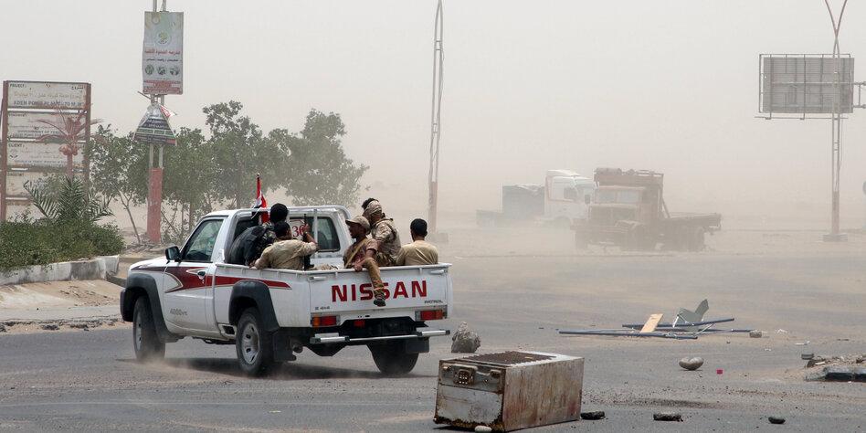 Stellvertreterkrieg in Jemen - Separatisten erobern Teile der Hafenstadt Aden