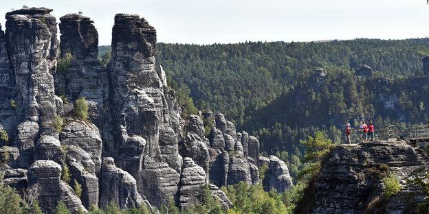 Gebirge und Felsformatonen