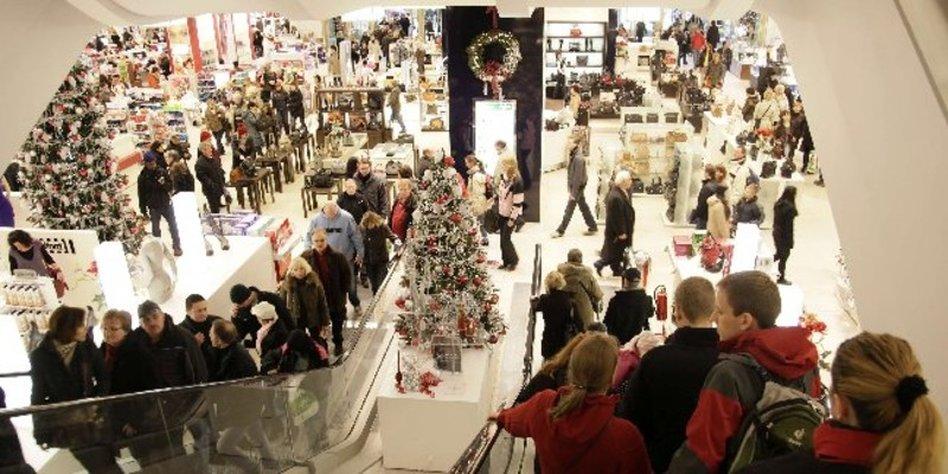 einzelhandel boomt nach weihnachten kaufrausch bleibt beliebte droge. Black Bedroom Furniture Sets. Home Design Ideas