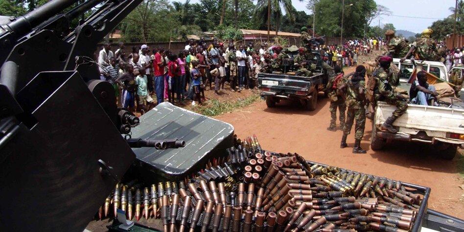 Frieden schaffen mit mehr Waffen