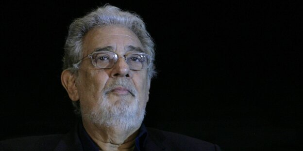 Plácido Domingo mit Brille