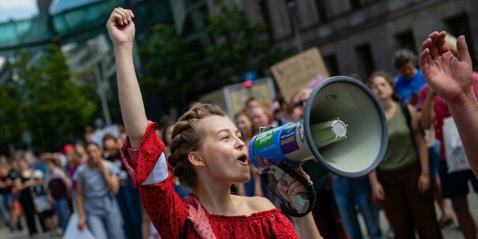 Blanker Hass gegen Klimaaktivistin