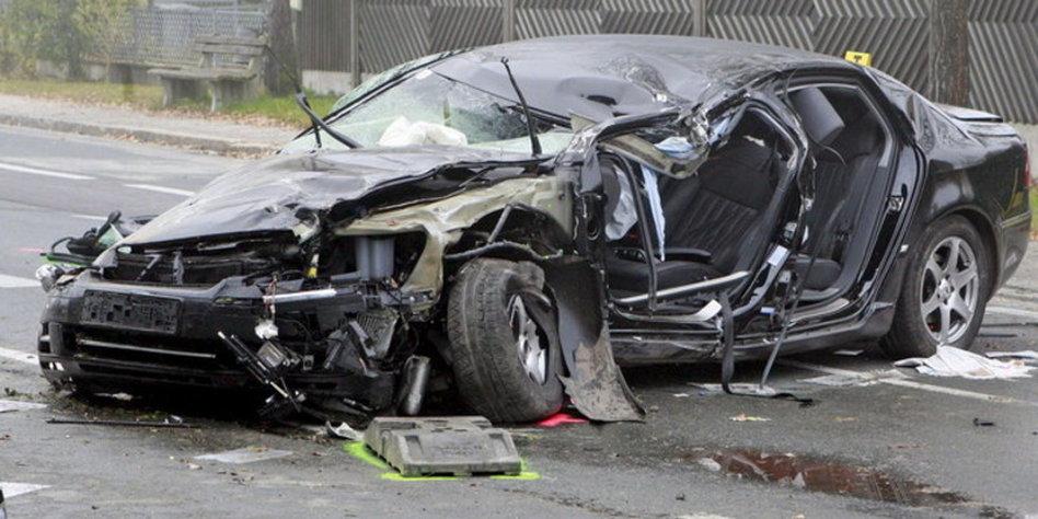 1,8 Promille im Blut: Jörg Haider war bei Unfall betrunken - taz.de