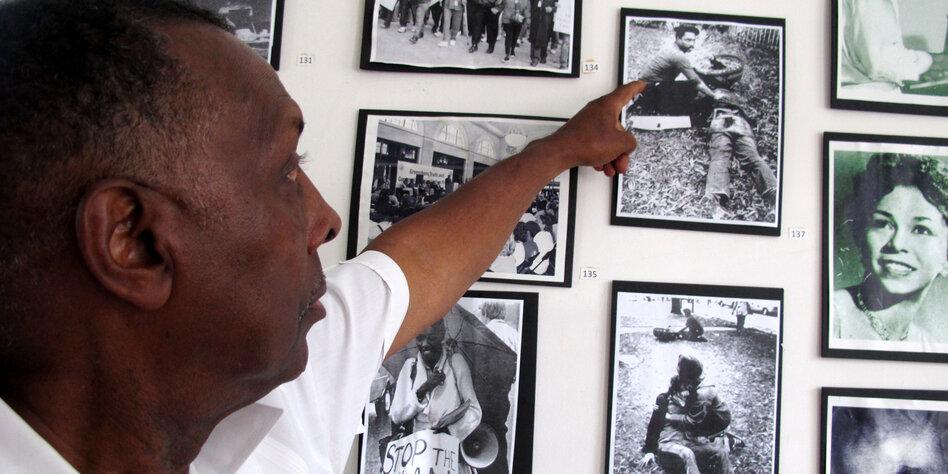 40 Jahre nach Massaker von Greensboro: Täter frei, Opfer in Handschellen