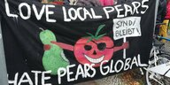 "Transparenttext ""Love local pears hate Pears Global"""