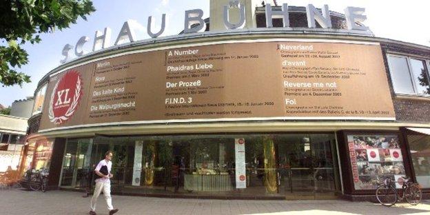 ferienjobs f r berliner theater die einnahmen sind im ausland deutlich h her. Black Bedroom Furniture Sets. Home Design Ideas