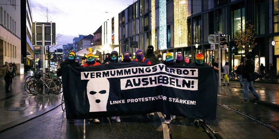"""""""Protest muss anonym möglich sein"""""""