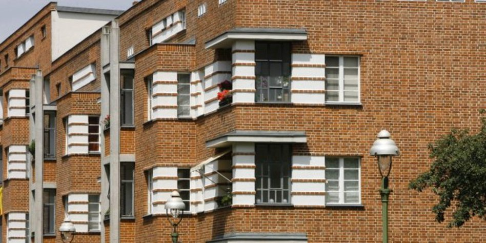 werbung f r das neue weltkulturereb berlin sollte seine moderne architektur mehr betonen. Black Bedroom Furniture Sets. Home Design Ideas