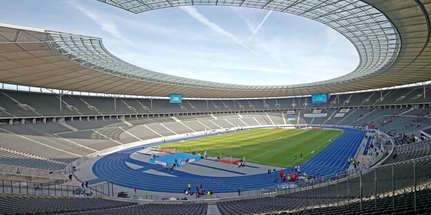 Blick ins Innere des Olympiastadions