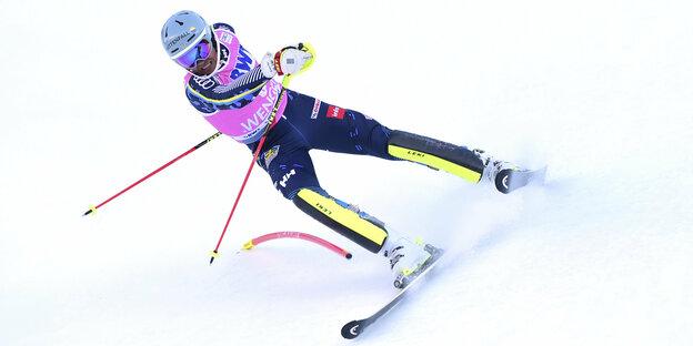 asiatische hingeknallt skifahren