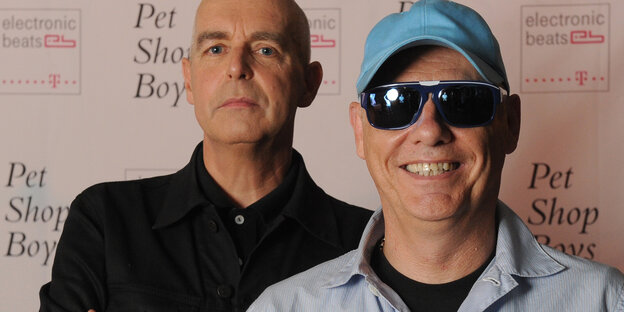 das Popduo Pet Shop boys grinst in die Kamera