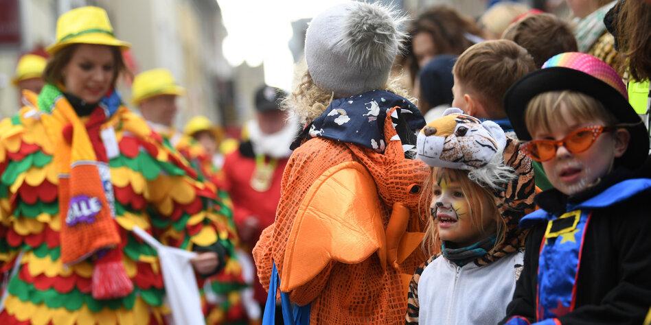 Karnevalsparty kinder