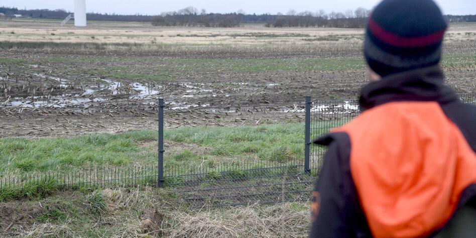 Aktivist*innen entfernen Grenzzaun: Dänemark wieder zugänglich