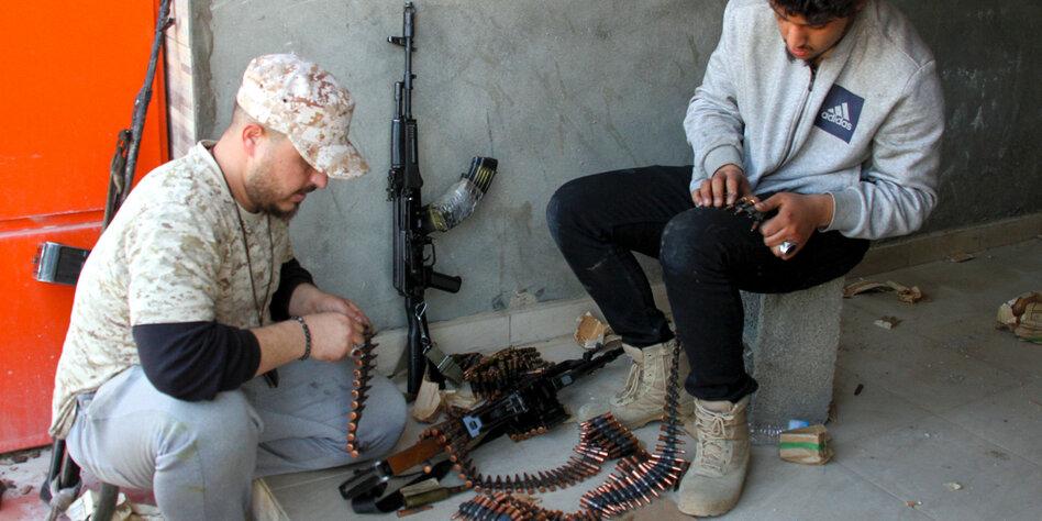 Krieg in Libyen: Auf Söldner-Ticket