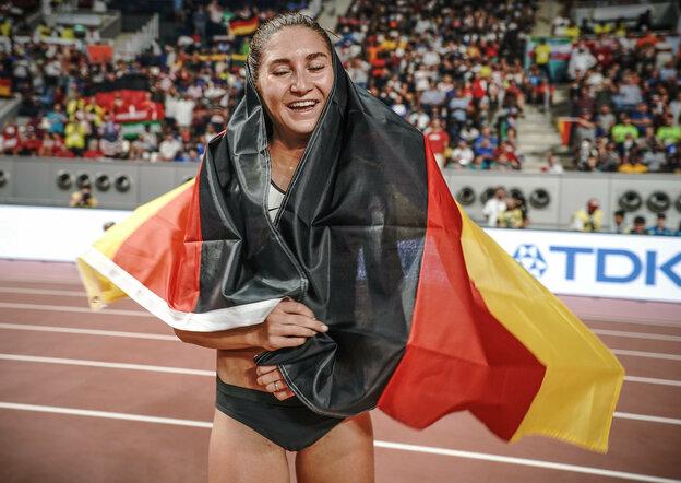 Größter Triumph: Gesa Krause kommt als Dritte bei der WM 2019 in Doha ins Ziel Foto: Michael Kappeler/dpa