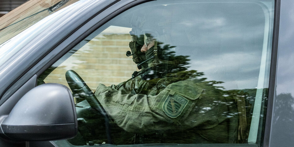 """Rechter KSK-Soldat bei der Bundeswehr: """"Schäfchens"""" Waffenlager"""