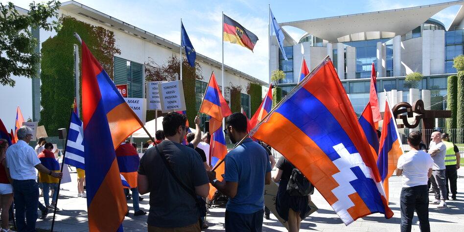 Armenisch Aserbaidschanischer Konflikt Berg Karabach In Berlin Taz De